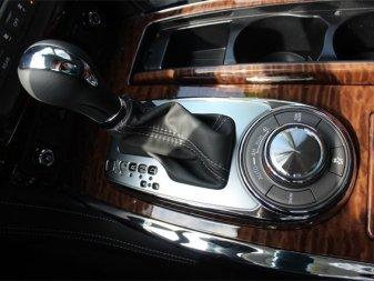 Nissan Armada Platinum JN8AY2NE6K9757792 1001
